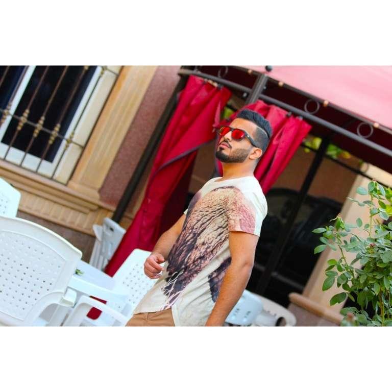 Follow me on Instagram @yasseraljohanii