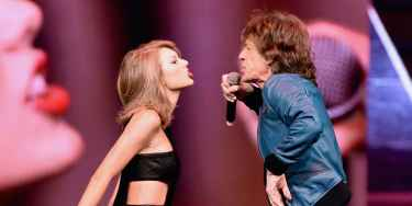 Taylor Swift and Mick Jagger Sings Satisfaction at 1989 Tour in Nashville