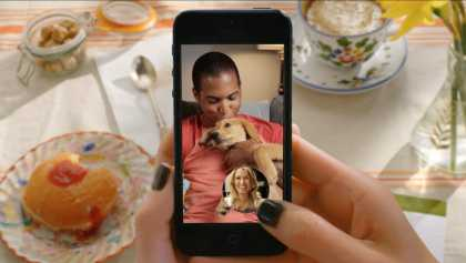 You can now send and receive text messages with the new #Snapchat update