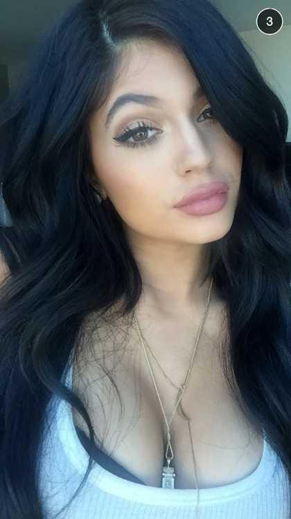 Kylie Jenner Snapchat @KylizzleMyNizzl