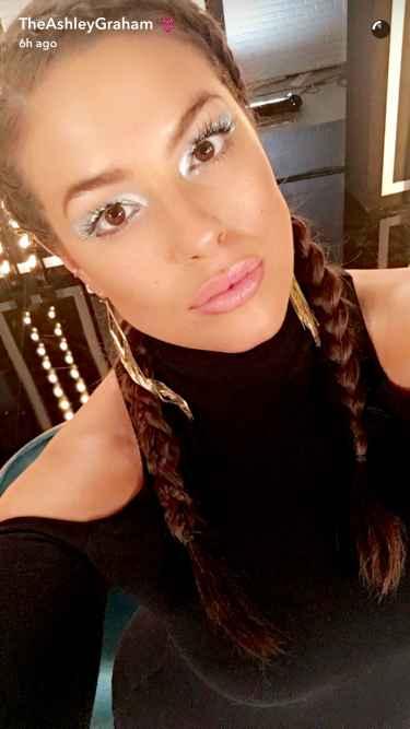 Model Ashley Graham Snapchat Username @TheAshleyGraham