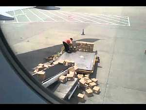 China air-freight handler at Guangzhou airport throw boxes to make his job harder #wtf