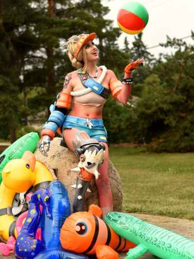 "#Junkrat ""Beachrat"" #Overwatch Cosplay by CherryAmaru"