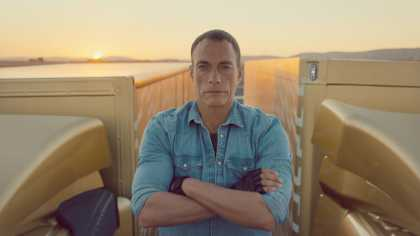Watch Jean-Claude Van Damme Epic Split | #VanDamme #Celeb