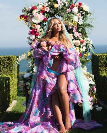 Beyoncé Shared First Picture of Her Twins, Sir Carter and Rumi, on Instagram