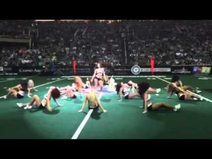 Arizona Rattlers Football Player Killed The Cheering Squad Routine!