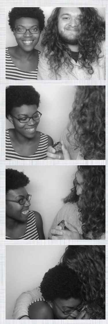 A guy proposed to his girlfriend in a photo booth
