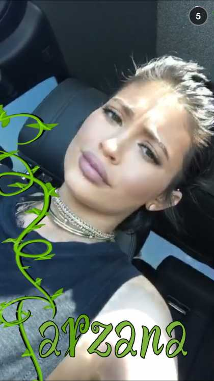 Kylie Jenner is so pretty on this snapchat #kylizzlemynizzl