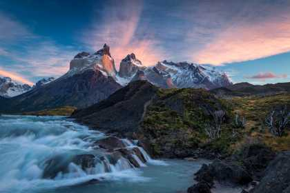 #Sunrise in Torres del Paine National Park in #Chile