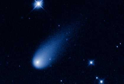 Watch the comet ISON streak across the sky | #science #space