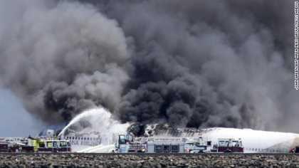 #News: Boeing 777 airliner crash lands at San Francisco airport