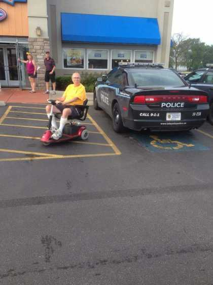 This is why some people hate the police! #WTF