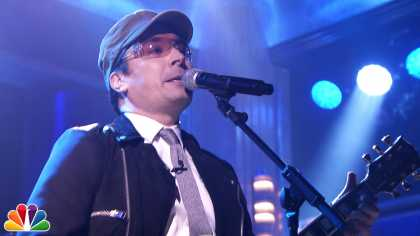 "Jimmy Fallon performs ""Desire"" by U2 on the Tonight Show! #Classy #Epic #TheRoots #GoodStuff"