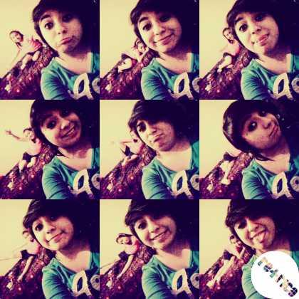 She #photobombed my selfies...... cx