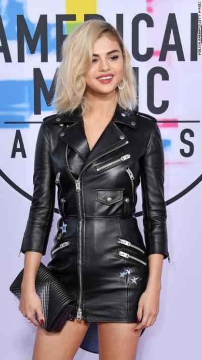 Selena Gomez fashion at the AMA red carpet