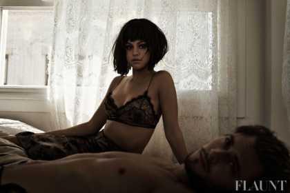 #Celeb: Selena Gomez Found in Bed with a New Man | #SelenaGomez