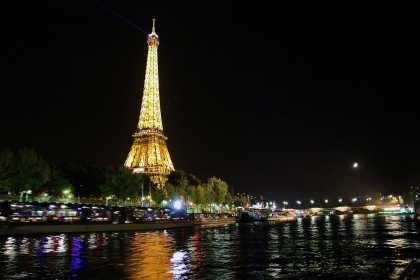 #Beautiful Picture Of Eiffel Tower At Night From The River Seine