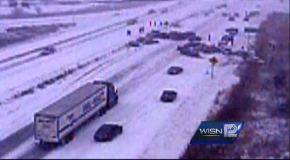 Germantown, Wisconsin Hwy 41/45 #Pileup Captured On Video