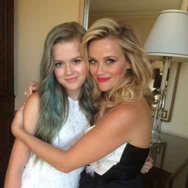 Reese Witherspoon's daughter Ava looks exactly like her