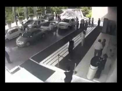 #Lamborghini Gallardo Crashed By A Valet Attendant In India - #LamboCrash