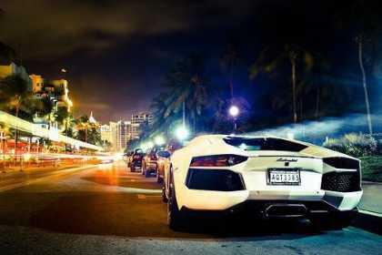 White #Lamborghini Aventador