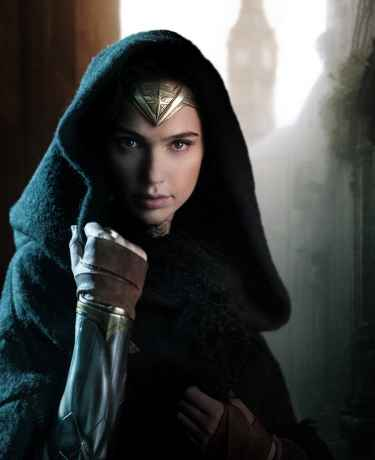 Gal Gadot Tweeted Her Photo As Wonder Woman