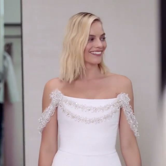 Margot Robbie #Chanel Dress at the #Oscars2018