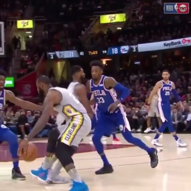 Lebron James behind the back assist between his teammate legs to himself!